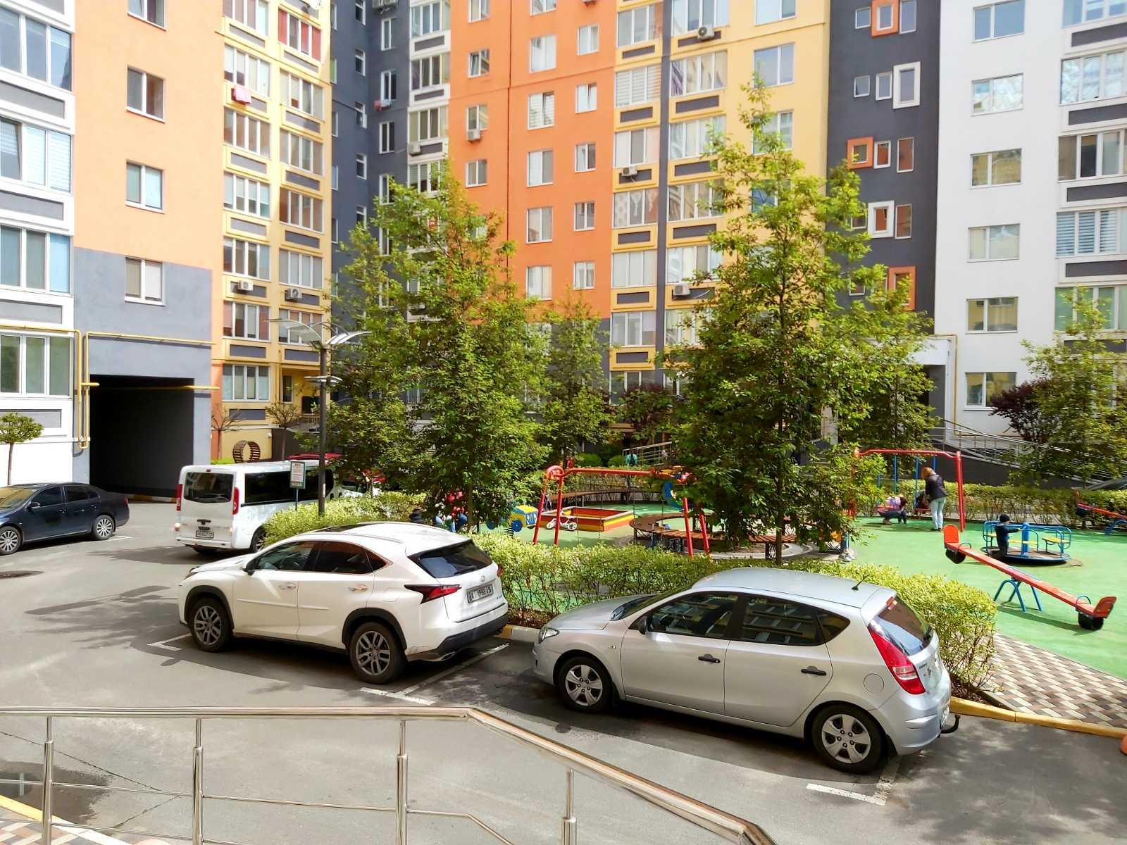 2-к квартира  з автономним опаленням