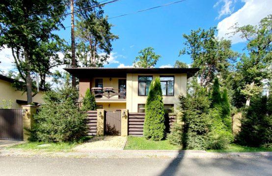 Новий будинок з ремонтом в Бучі