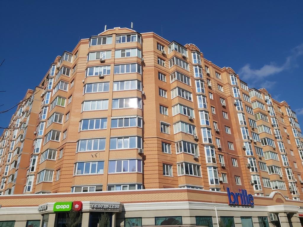 "ЖК ""Карат"" 1-к квартира поруч з Центральним парком"